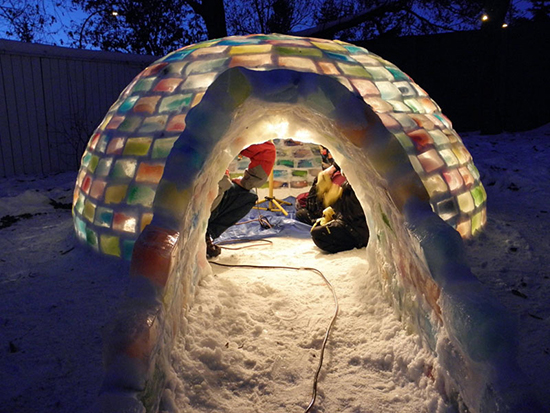 Kathleen Starrie e Daniel Gray igloo colorato