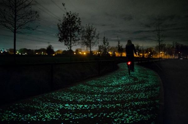 olanda pista ciclabile illuminata