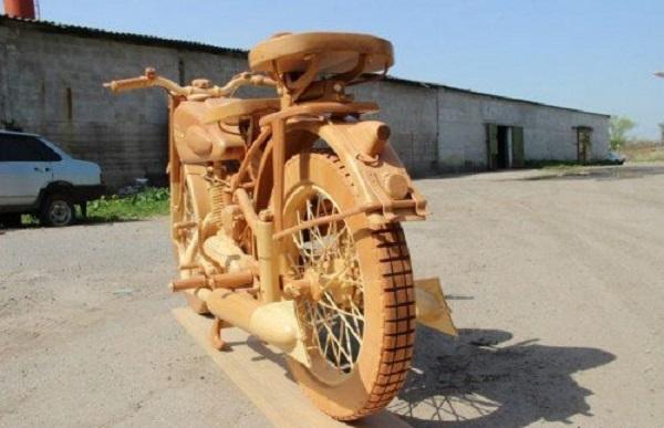 replica moto legno IZH-49