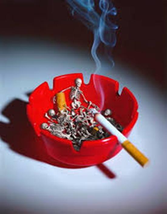 fumo sigaretta accesa