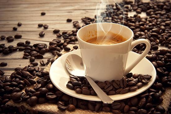 tazza calda di caffè