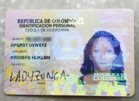 Donna colombiana si cambia il nome in Abcdefg Hijklmn Opqrst Uvwxyz