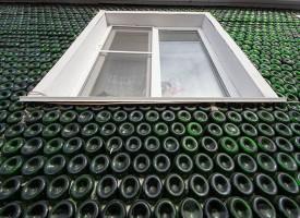 Casa costruita con 12000 bottiglie di Champagne